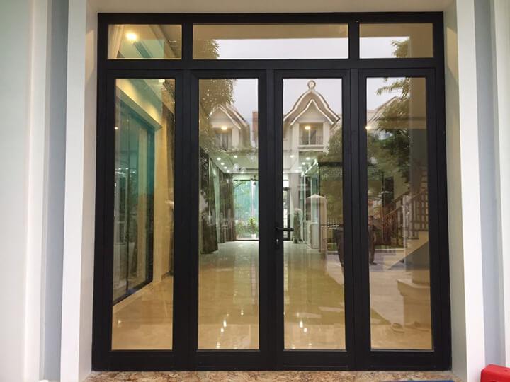 Kích thước cửa chính đóng vai trò rất quan trọng, bởi vì nó ảnh hưởng đến thiết kế, thẩm mỹ và cả phong thủy của căn nhà